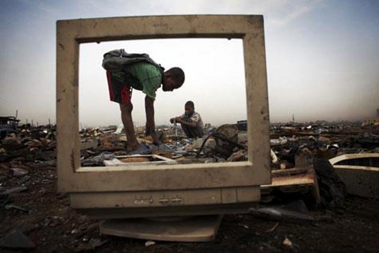 Unas 4.500 millones de personas sufren los efectos negativos de la brecha digital,