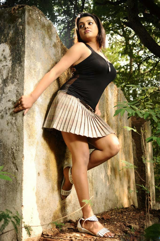South Indian Telugu Actress in Short Skirts, MiniSkirts and Shorts |