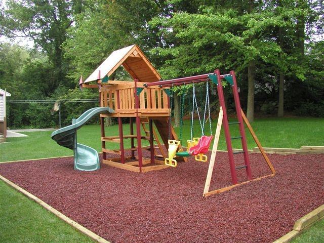 Клумба детская площадка