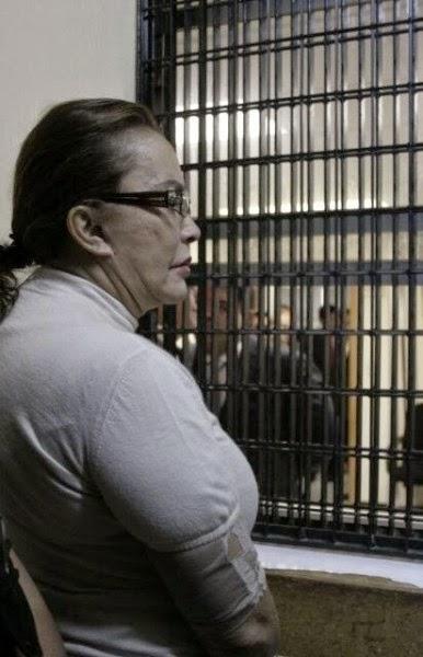 Chiste de anciana, cárcel, vigilante, visita, conyugal.
