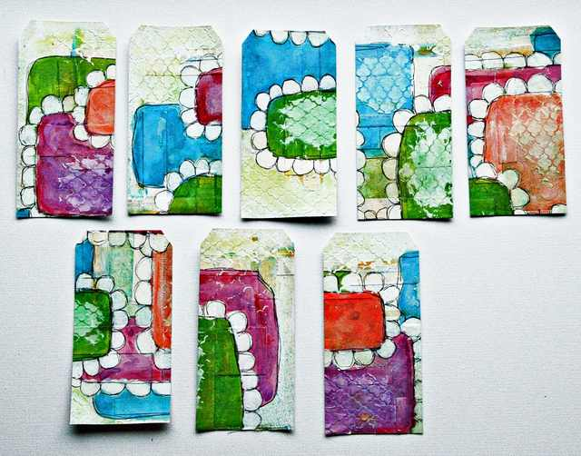Mixed Media Tags aus Cardstock, Acrylfarben und Fineliner
