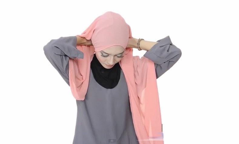 3 Cara Memakai Jilbab Segi Empat Polos Menutupi Dada