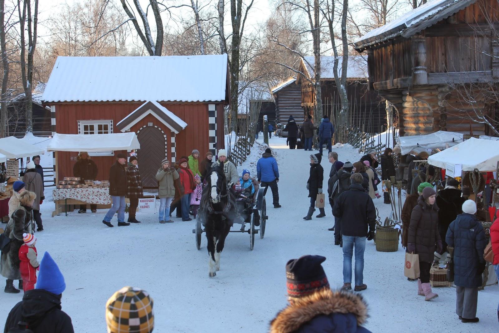 Christmas market at Norsk Folkemuseum. Photo: Theresa Søreide/Norsk Fokemuseum - Visitnorway.com.