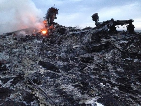 HANCUR 16 Photo Tragedi MH17