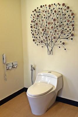 Novotel Hotel - toilet bowl | www.meheartseoul.blogspot.com