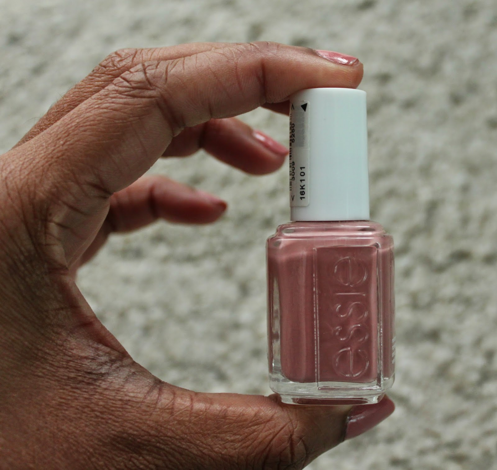 NAIL OF THE DAY | ESSIE ETERNAL OPTIMIST | Makeup and Beauty Mayhem