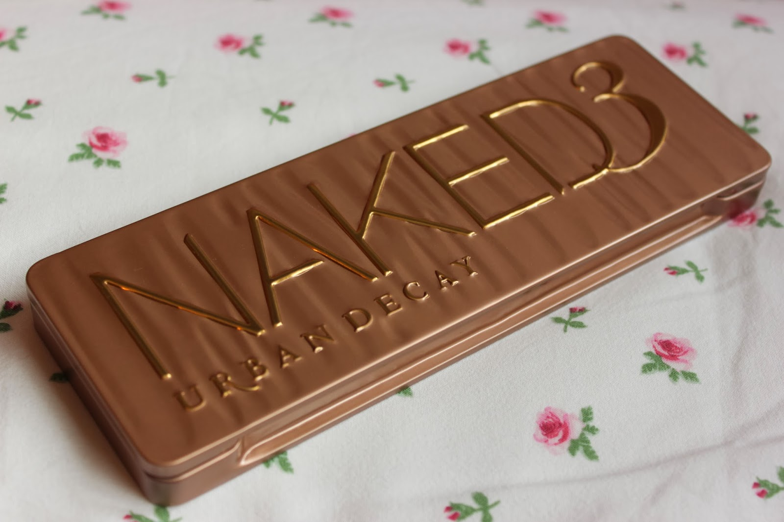 Urban Decay Naked 3 palette review - BLONDIE BEAUTY FASHION