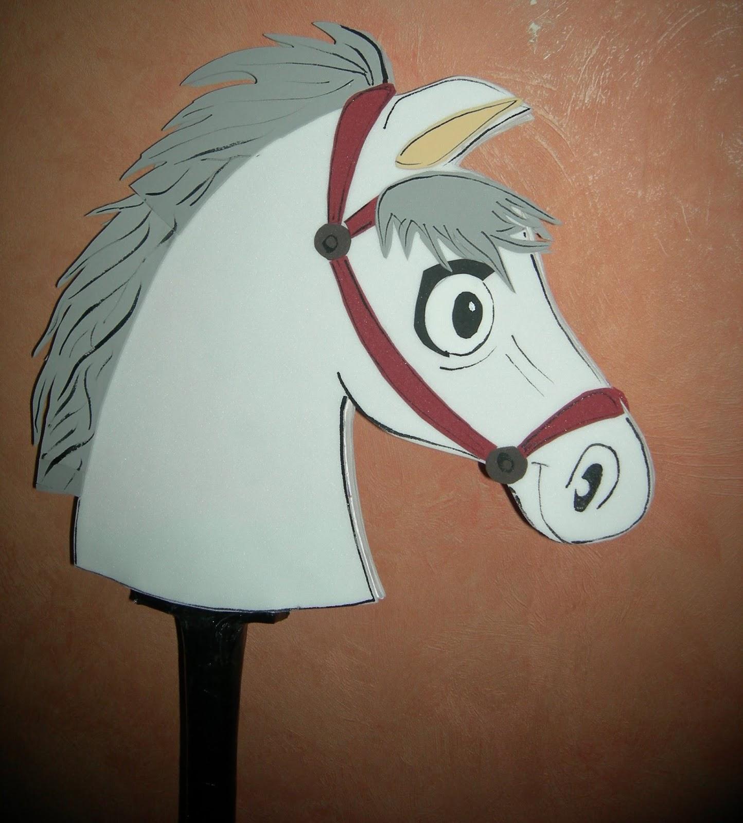 Arte Gabrielle: DISFRAZ - Caballo de Palo para niños