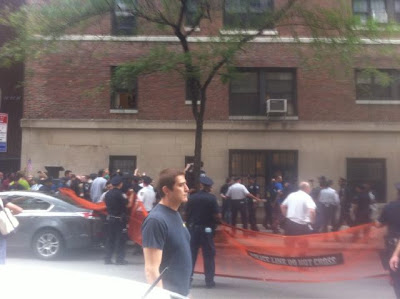 Mass arrest at 13th near 5th Avenue New York