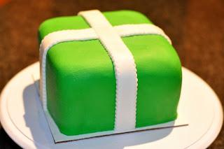 طريقة تزيين كيك عيد ميلاد كعكة الهدية