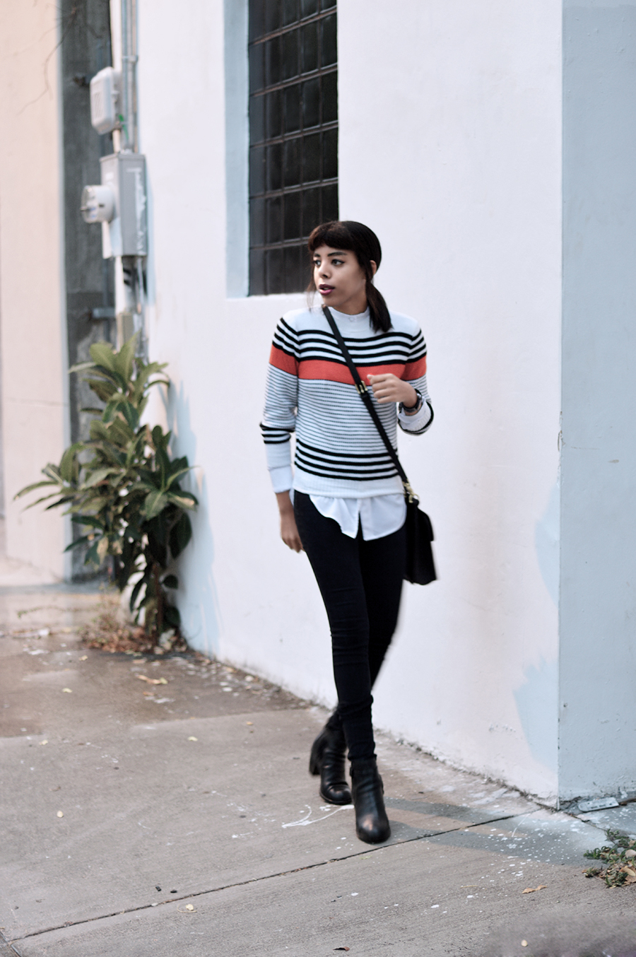 Minimalist Indie Fashion Blogger Anais Alexandre of Down to Stars in a simple Fall or Winter look with a clean aesthetic look