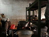 http://karangtarunabhaktibulang.blogspot.com/2013/06/warung-sederhana-sedia-masakan-istimewa-ala-desa.html