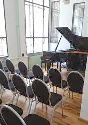 http://www.franz-klaviere.de/info/uebungsraeume.html