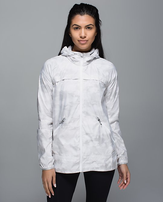 lululemon-miss-misty-jacket