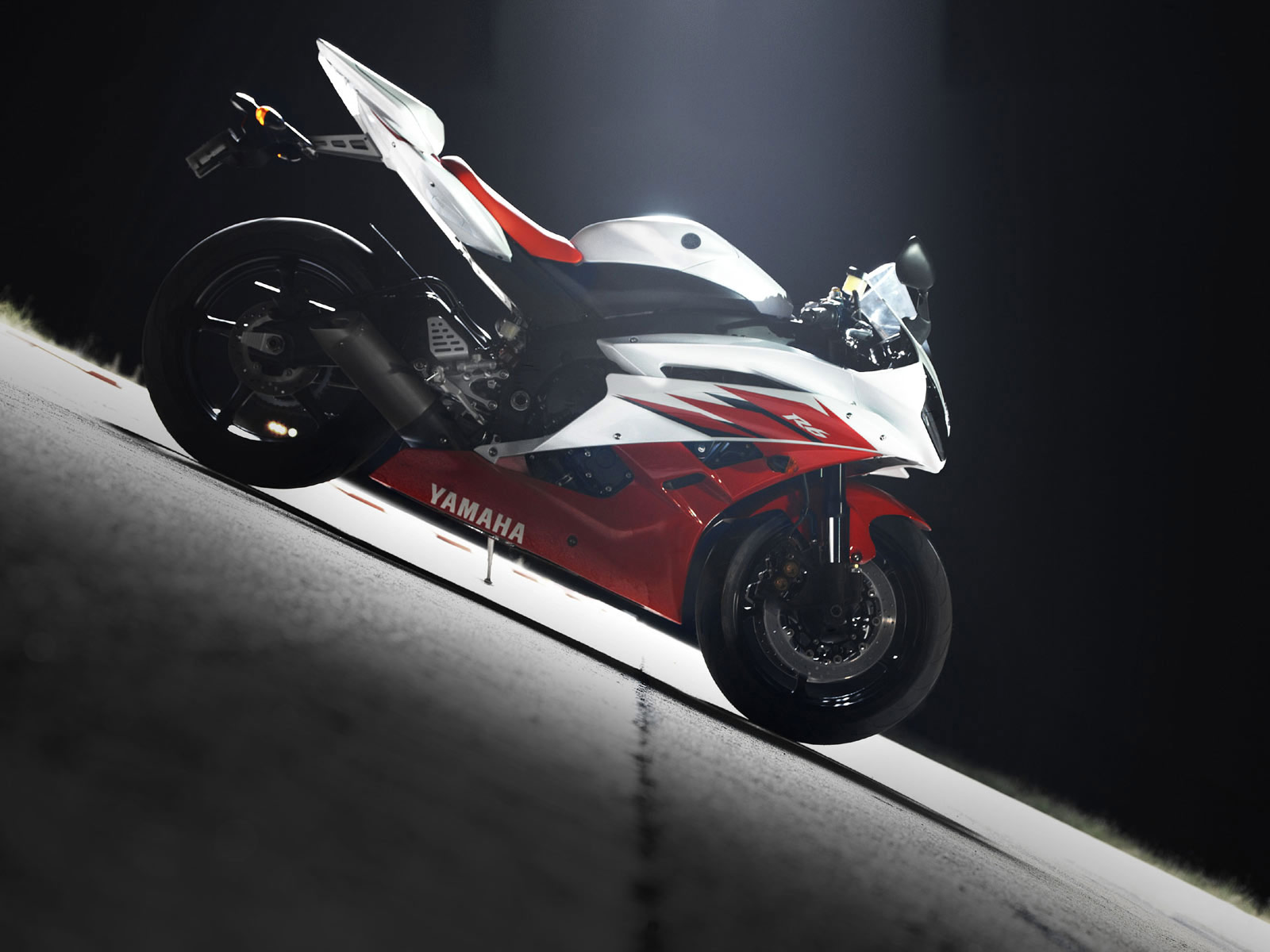 2006 YAMAHA YZF R6 Motorcycle Pictures And Specifications