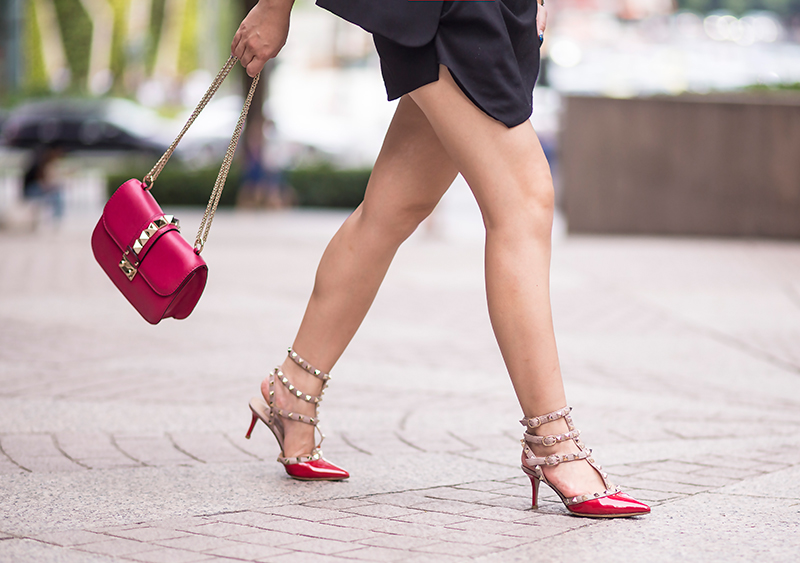 Crystal Phuong- Singapore Fashion Blogger- Valentino lock handbag and rockstud pumps