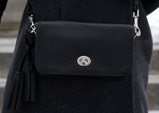 Coash purse