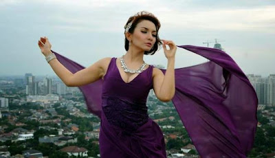 Daftar Lima Artis Sensual Indonesia