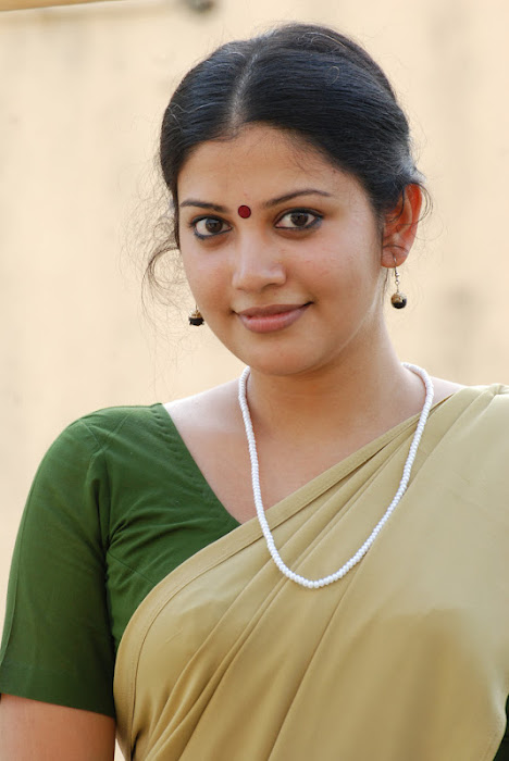 shivada nair half saree @ nedunchalai movie