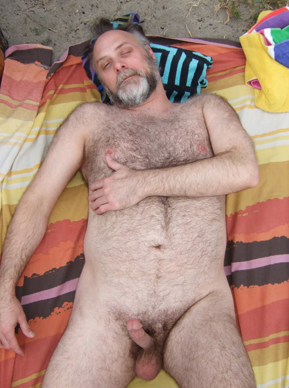 free pictures of naked men - bearded bears - daddy dicks
