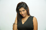 Jandhyala Rasina Prema Katha Movie photos-thumbnail-15