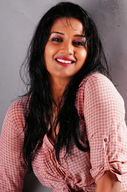 Vimala Raman Hot Spicy Photo Shoot   nudesibhabhi.com