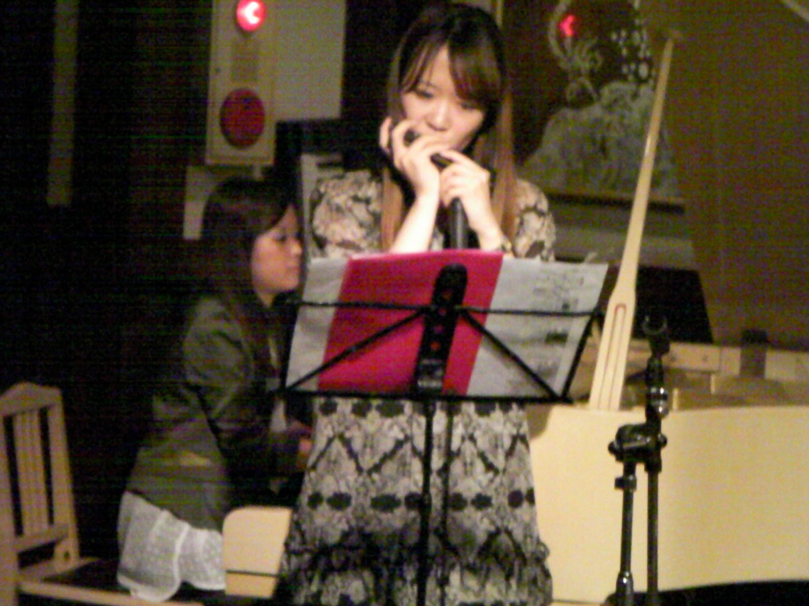浜口奈摘(p)、南 里沙(harmonica)