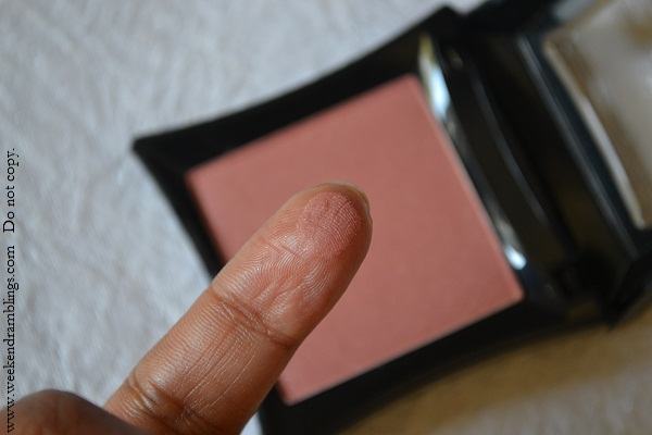illamasqua theater of the nameless shimmery powder fotd blusher ambition reviews swatches