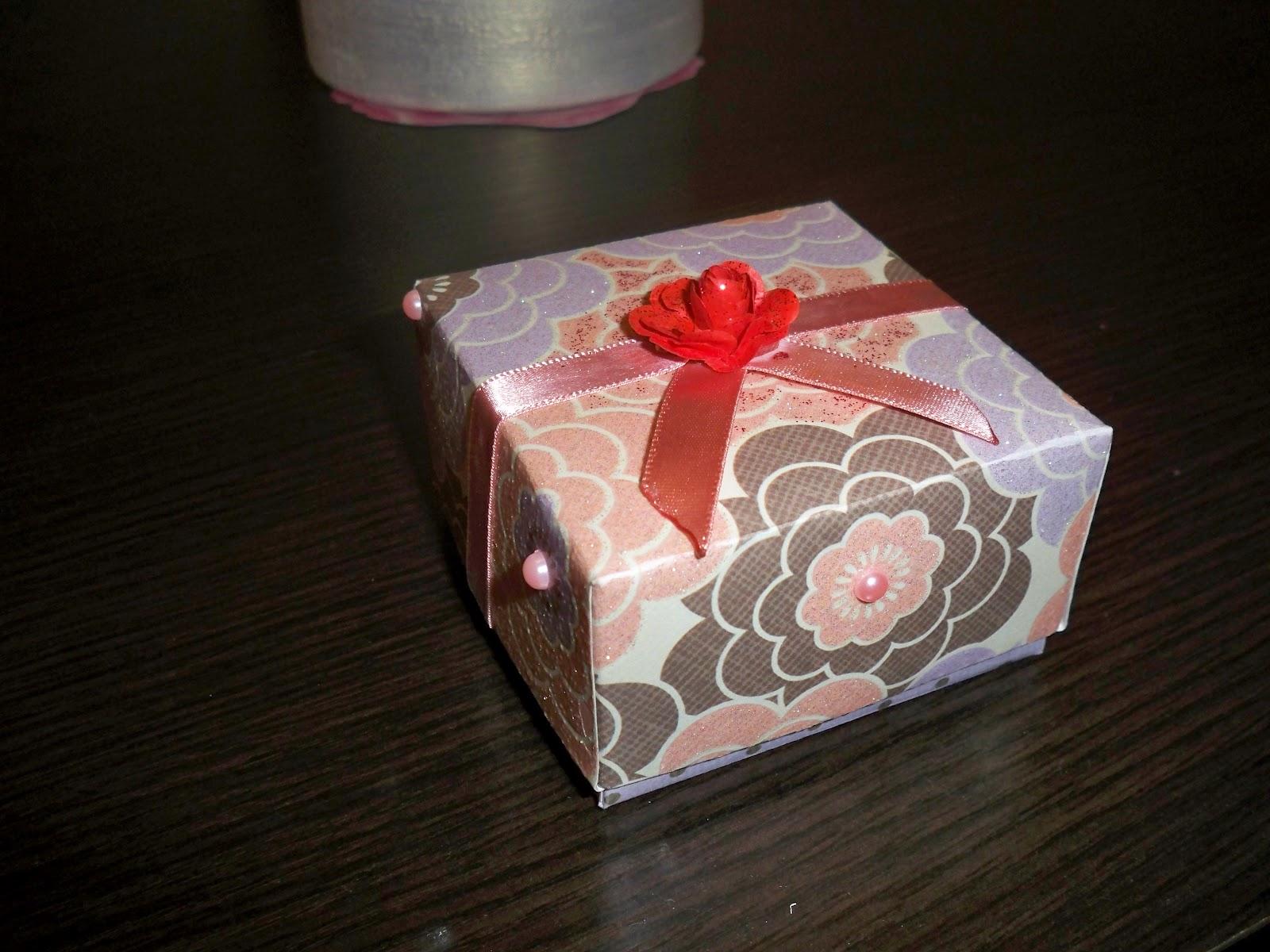 Упаковка новогодних подарков 60