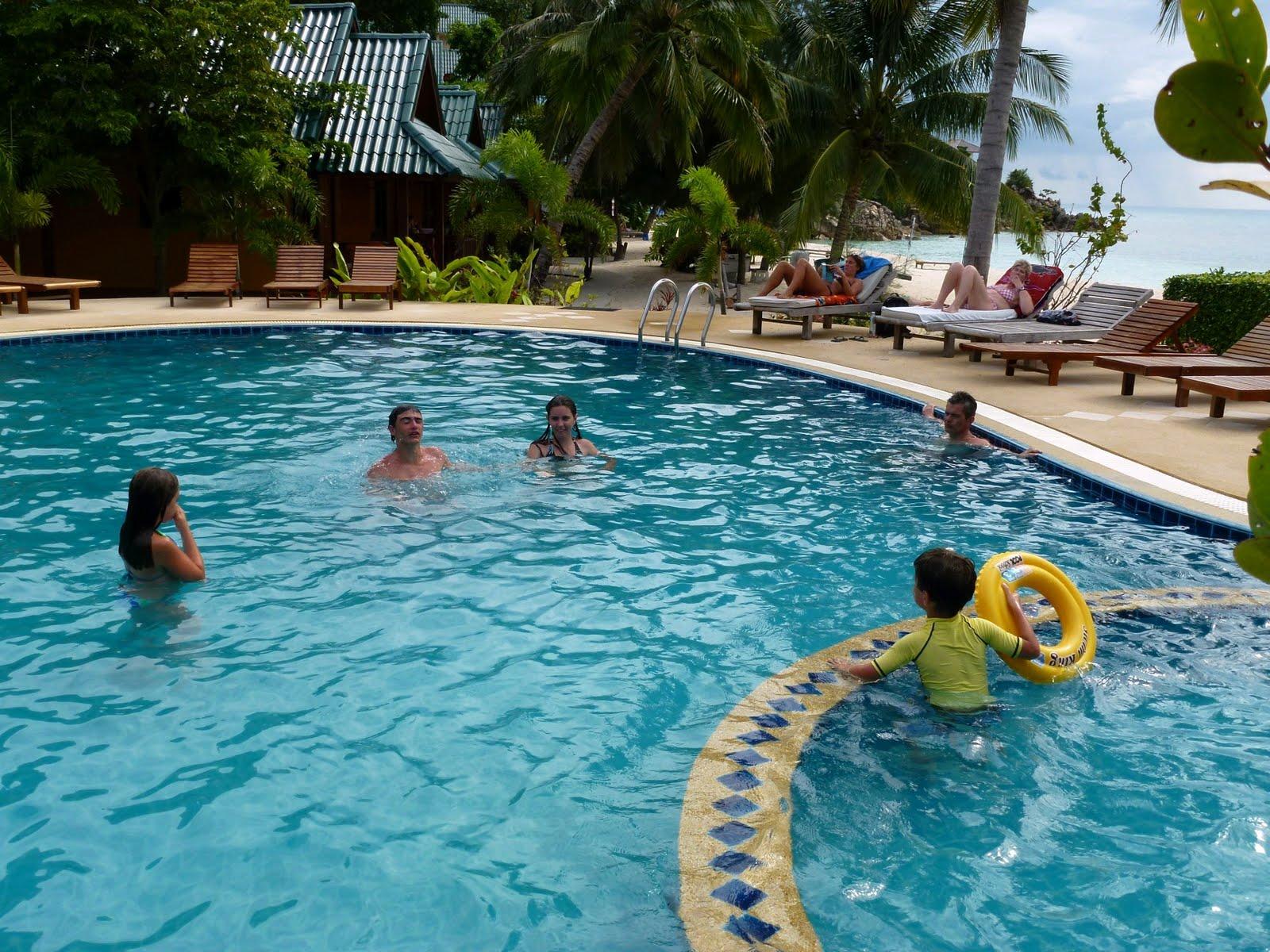 nos voyages 2011 koh phangan piscine et rien d 39 autre. Black Bedroom Furniture Sets. Home Design Ideas