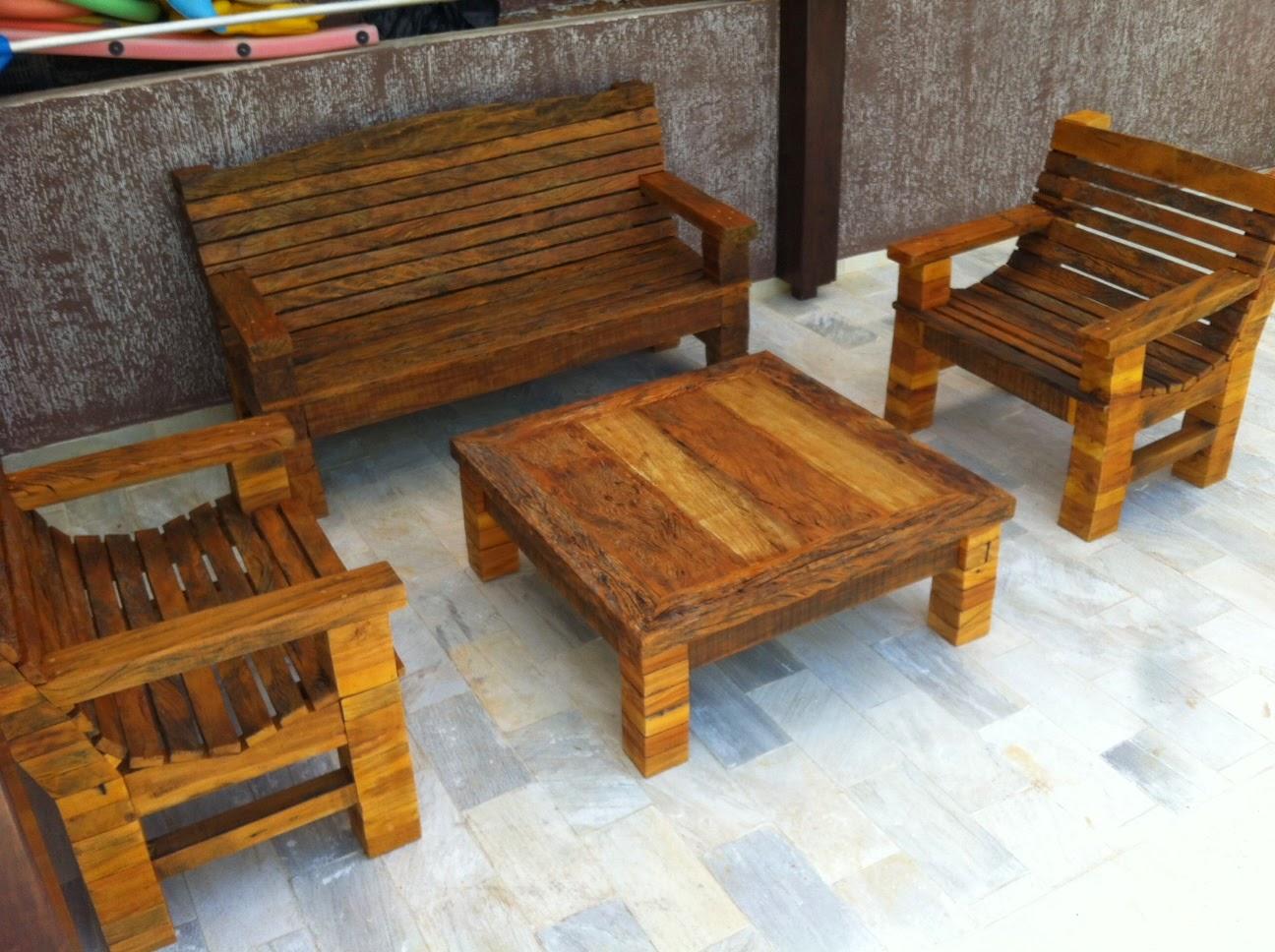 jogo de mesa e bancos para jardim madeira de demolição peroba rosa #A76D24 1296x968