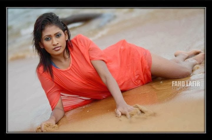 Sri Lankan Model Piumi Hansamali wet beach hot