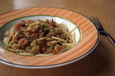 Pesto Pomodoro Sauce {Vegan} 1