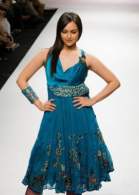 Sonakshi Sinha_FilmyFun.blogspot.com