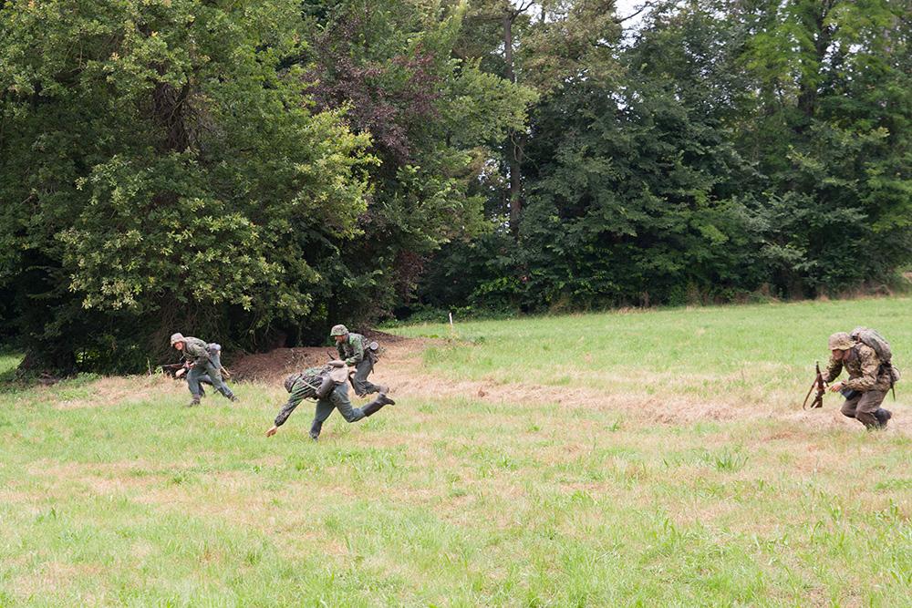 reenactor tedeschi attaccano un castello a ternavasso