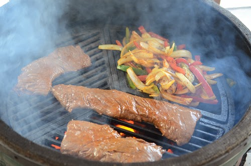 fajitas on a kamado grill, Craycort vegetable wok