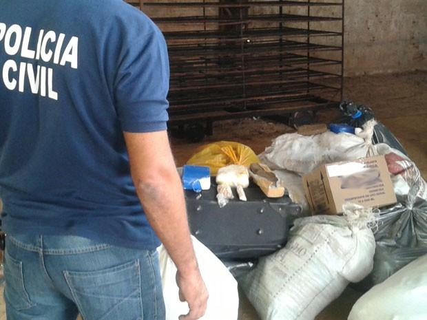 Mais de 300 quilos de drogas são incinerados em Feira de Santana nesta quarta-feira (Foto: Divulgação/Draco)