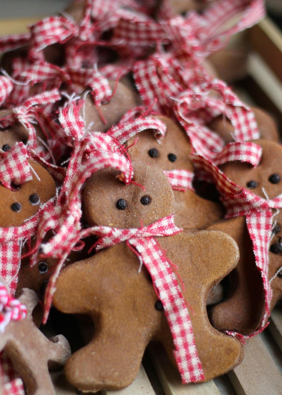 Homemade Christmas Ornaments Dough Cinnamon : Where your treasure is cinnamon salt dough ornaments