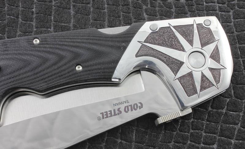 mitre gravée sur couteau Espada Cold Steel