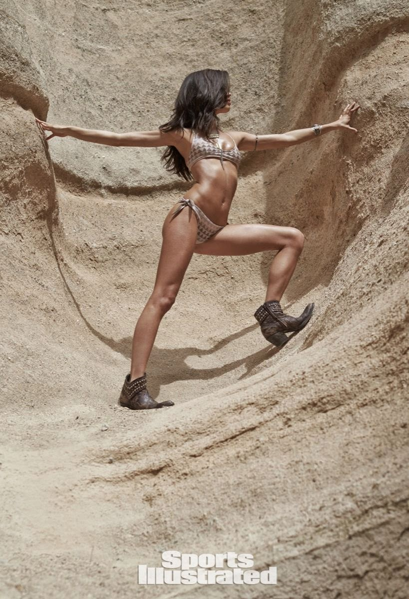 عارضة الأزياء سارة سامبايو في صور مثيرة بملابس الرياضة