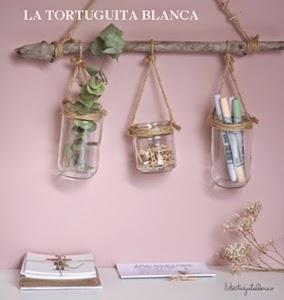 http://latortuguitablanca.blogspot.com/2014/11/idea-deco-ordenamos-zona-de-trabajo.html
