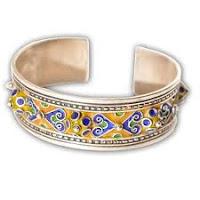Le choix des cadeaux au Maroc Poteries bijoux  Tapis Artisanat en bois ou en cuir