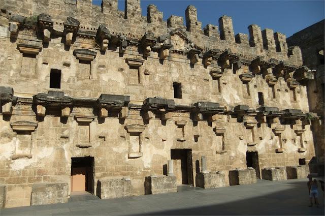 Edificio del escenario - Teatro romano de Aspendos