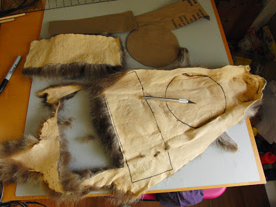 how to make a coonskin hat out of paper