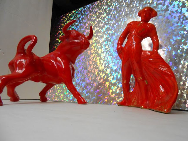 Red Matador and Bull Ceramic Mid-century, Retro, Antique Statues - RARE &amp; Gorg!