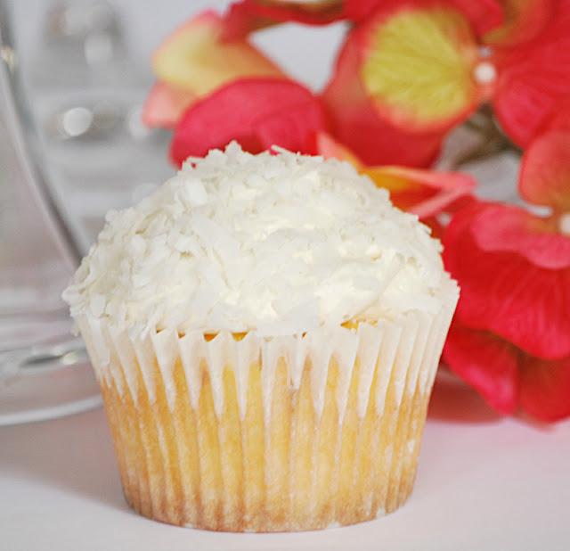 Pina Colada Cupcakes - Buttercream Bakehouse