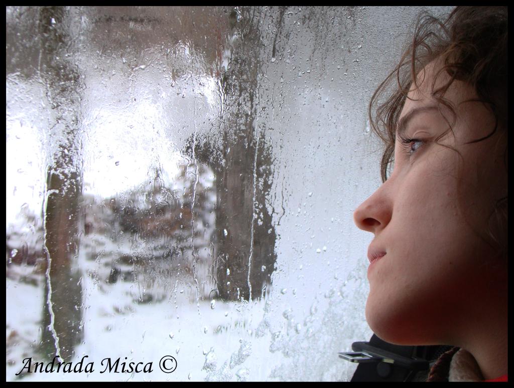 http://1.bp.blogspot.com/-KBMroNU8HlM/UNqPgTVuHWI/AAAAAAAAAgw/bmZjKKyz18w/s1600/sad-girl-cold-weather-1.jpg