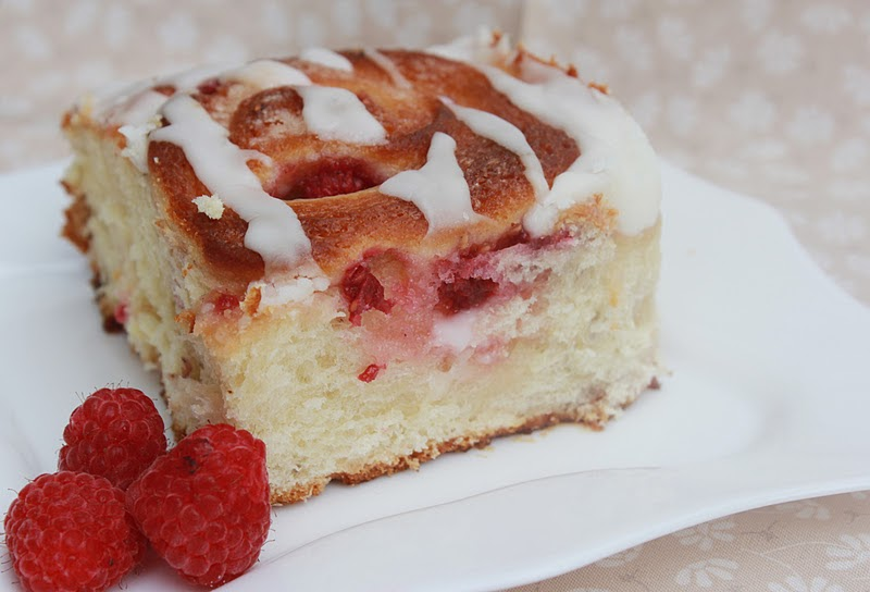 Squirrels-n-Sweets: Lemon Raspberry Breakfast Rolls
