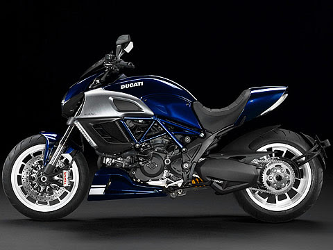 Gambar Motor 2013 Ducati Diavel