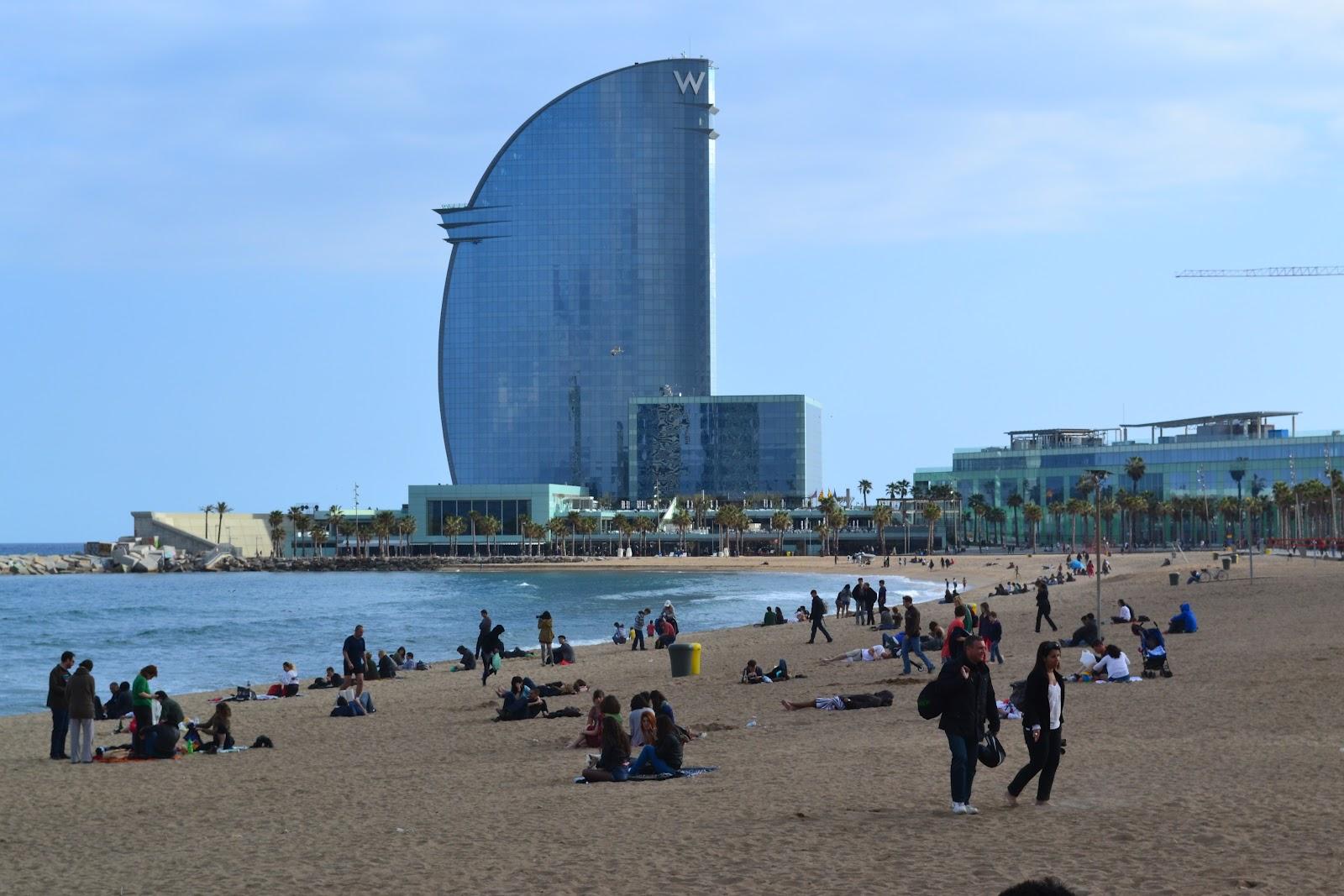 Ciao italia barcellona al mare for Alberghi barcellona sul mare